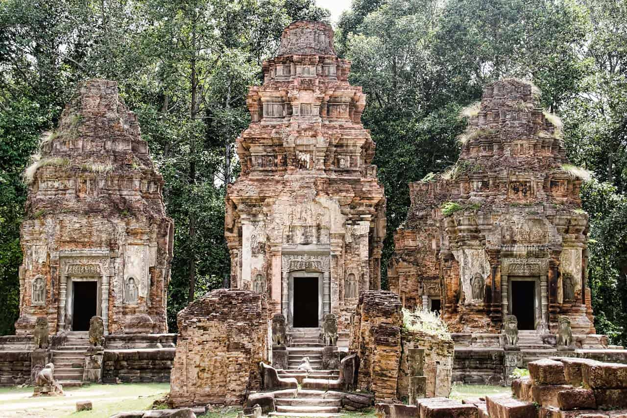 Roluos Group Tour With Beng Mealea Temple Cambodia